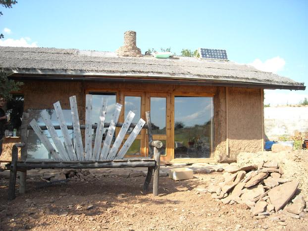 Can santosha byologik for Un costo di costruzione della casa di legno